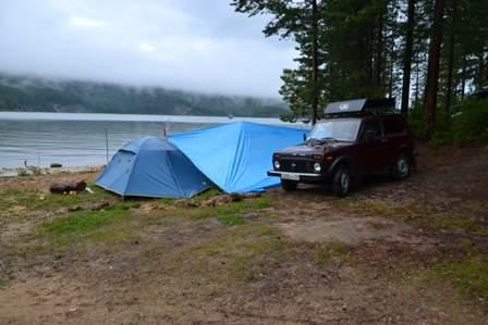 Наш лагерь в бухте Окуневая