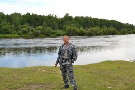 Я у реки Бургузин. По пути в п.г.т. Баргузин.