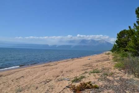 Баргузинский залив. Вид на пол-ов Святой Нос.