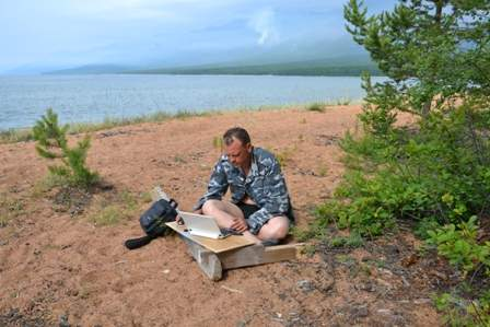 На Баргузинском заливе еще есть МТС Интернет.